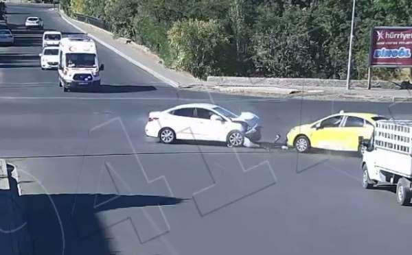 Bingöl'de trafik kazaları kameraya yansıdı