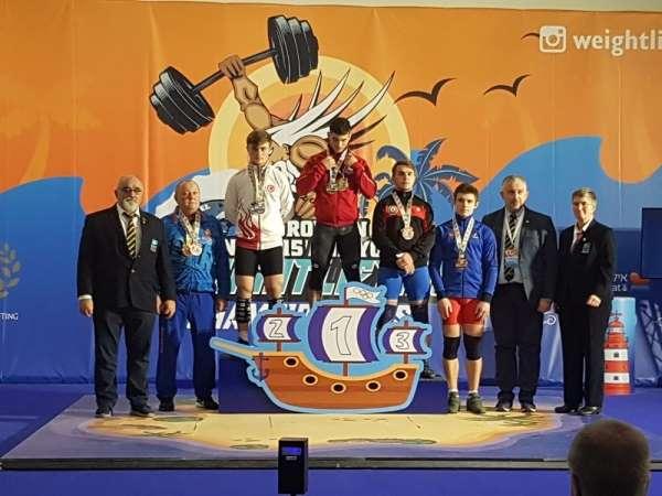Genç halterci Hakan Şükrü Kurnaz Avrupa rekorunu kırıp şampiyon oldu