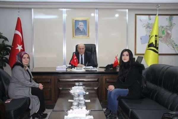 Üniversite öğrencilerinden Başkan Pekmezci'ye ziyaret