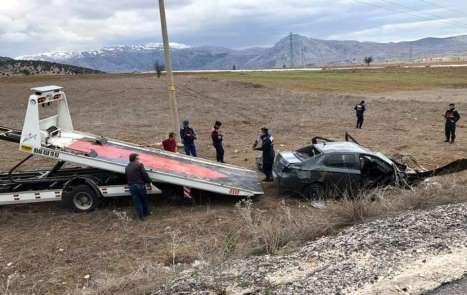 Burdur'da trafik kazası: 3 ölü, 2 yaralı