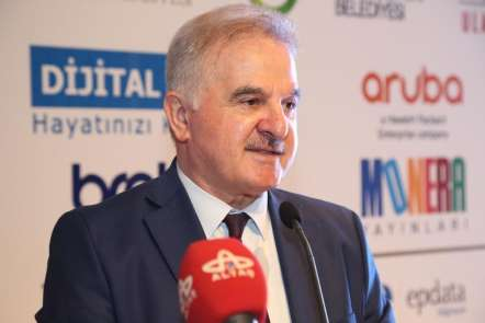 YÖKAK Başkanı Elmas: 'Üniversiteler vizyonunu değiştirmeli'