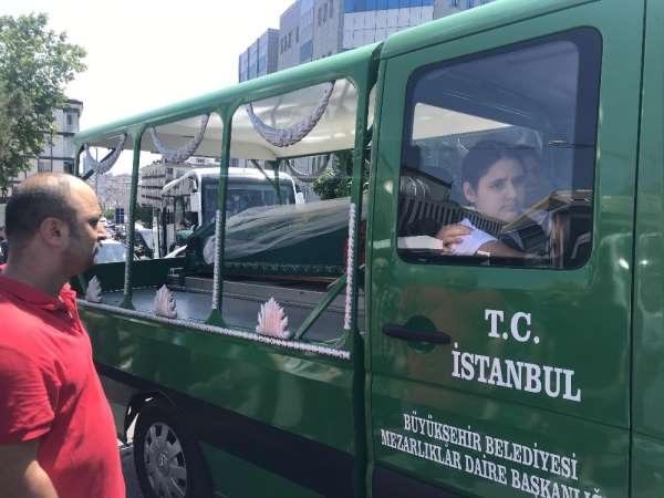 (Özel) İstanbul'daki feci kazada ölen motosikletli genç kız gelinlikle uğurlandı
