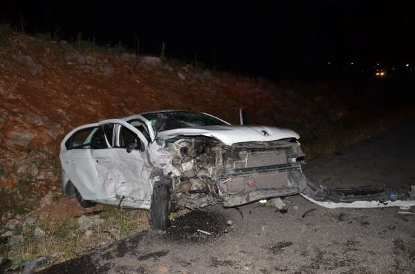 Akseki'de feci kaza: 5 yaralı