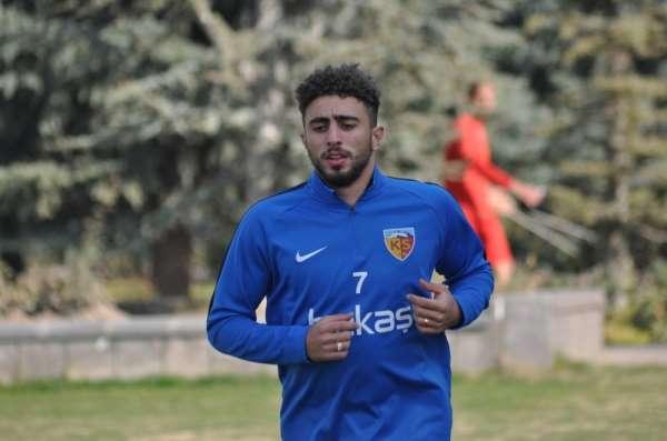 Bilal Başacıkoğlu Kayseri'ye geldi