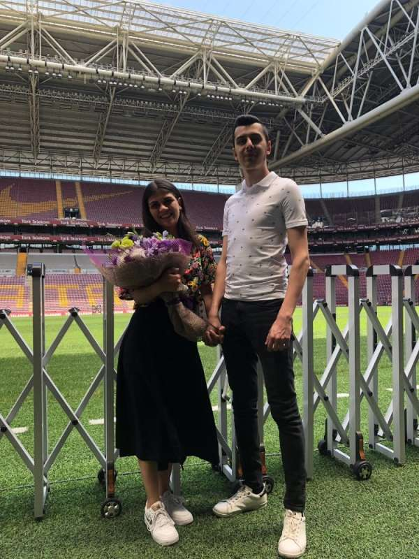 Türk Telekom Stadyumu'nda evlilik teklifi