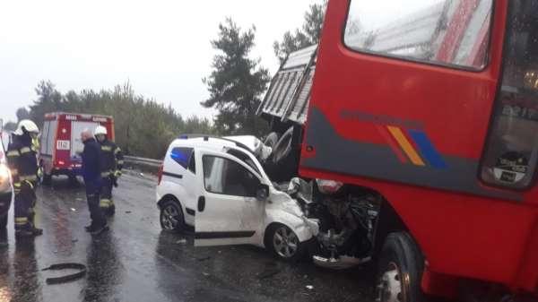 Son dakika! Trafik kazası: 1 ölü, 2 yaralı