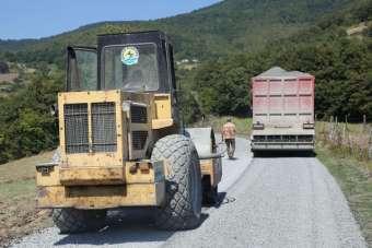 Atakum Belediyesi'nden kırsal mahallelere yol