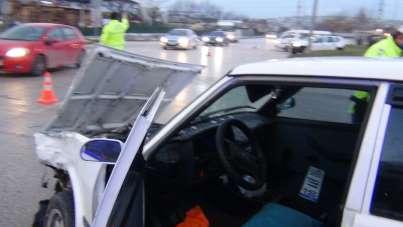Aynı kavşakta bu kaçıncı kaza 2 yaralı