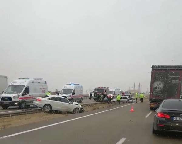 Kırşehirde trafik kazası: 5 yaralı