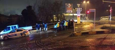 Polisin dur ihtarına uymadı kaza yaptı