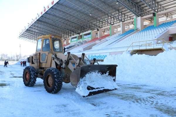 Sivas Belediyespor - Ankara Demirspor maçına kar engeli, ertelenebilir