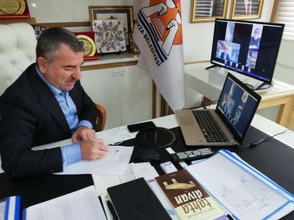 Başkan Özdemir muhtarları video konferans aracılığıyla bilgilendirdi