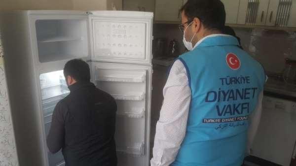 Sinop'ta din görevlileri buzdolabı hediye ettiler
