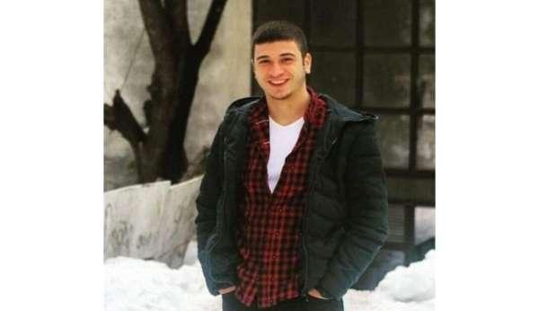 Irmakta boğulmaktan kurtarılan genç hastanede hayatını kaybetti