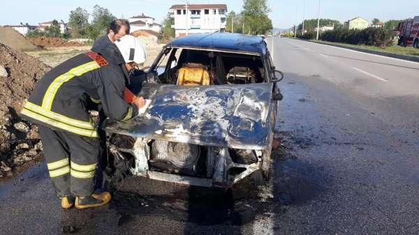 Samsunda seyir halindeki otomobilde yangın çıktı