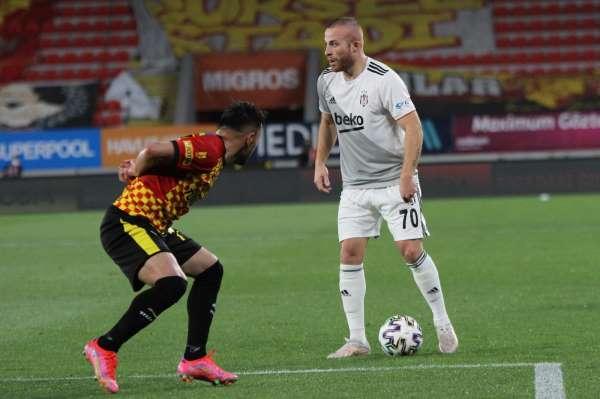 Süper Lig: Göztepe: 1 - Beşiktaş: 1 (İlk Yarı)