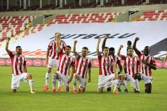 Süper Lig: Sivasspor: 1 - Denizlispor: 0 (İlk yarı)