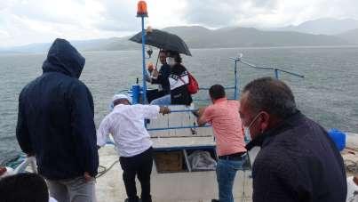 Tekne keyfi yağmurun azizliğine uğradı