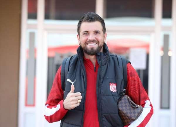 Sivassporda Claudemir takımda kalacak!