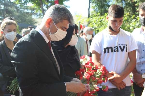 15 Temmuz şehitleri Karşıyaka Mezarlığında anıldı