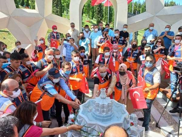 AFAD Gönüllülerinden, 15 Temmuz Şehitler Anıtına ziyaret