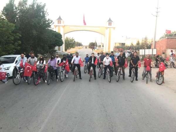Altıntaşta 15 Temmuz şehitleri anısına bisiklet turu