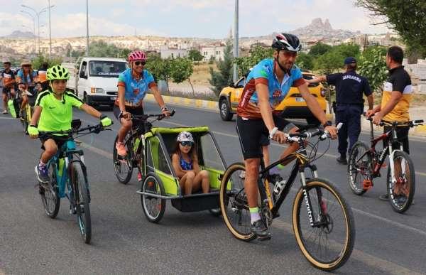 Bisiklet tutkunları Kapadokyada buluştu