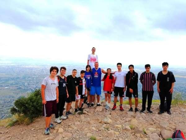 Hasketbol GSKdan 15 Temmuz Şehitlerini Anma Ali Dağı Tırmanışı