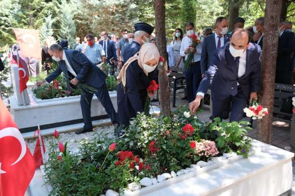 Konyada 15 Temmuz etkinliklerinde şehitler dualarla yad edildi