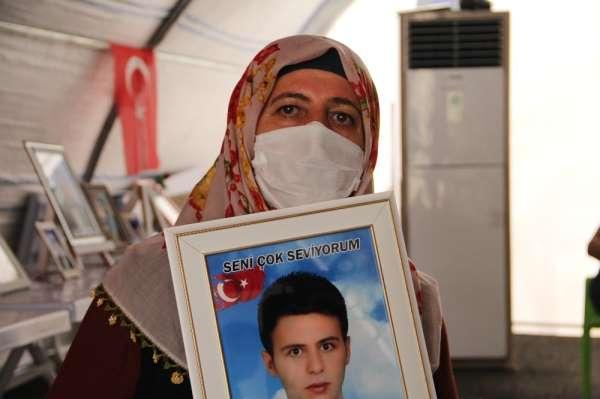 Aileler evlatlarını PKK terör örgütünden almak için direnişlerini sürdürüyor