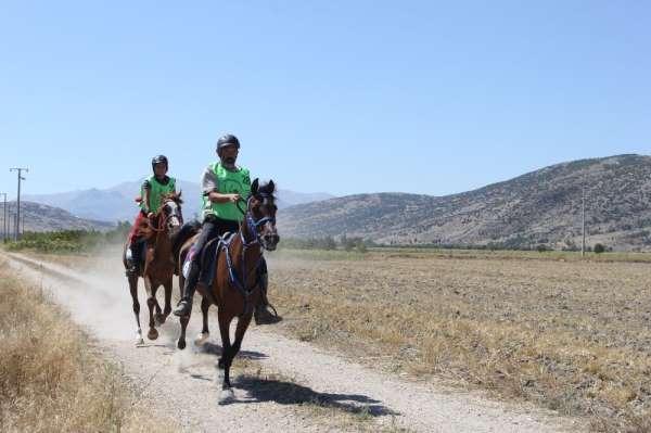 Atlı Dayanıklılık Türkiye Şampiyonası Isparta'nın ev sahipliğinde gerçekleştiril