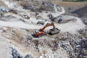 Mermer atıklarından yüzde 100 yerli asfalt malzemesi ürettiler