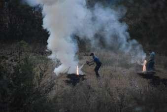 Yangına polis müdahalesi
