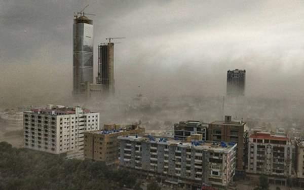 Pakistan'da fırtına