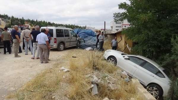Mezarlıkta ilginç kaza: 4 yaralı