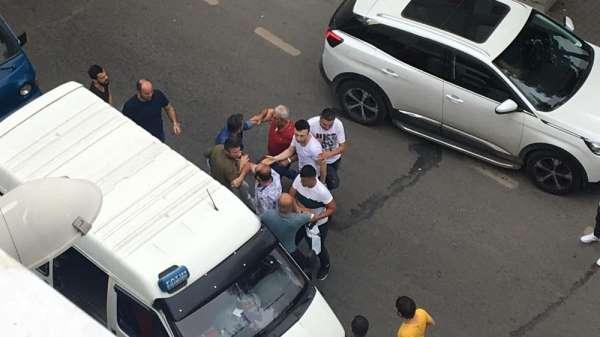 Trabzon'da trafikteki tartışma cep telefonu kameralarına yansıdı