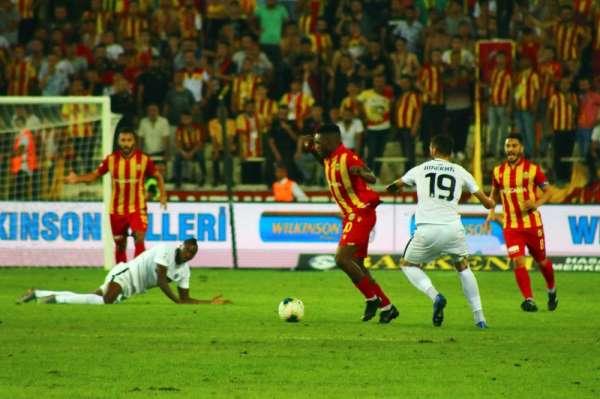 UEFA Avrupa Ligi: E. Yeni Malatyaspor: 1 - Partizan: 0 (İlk yarı)