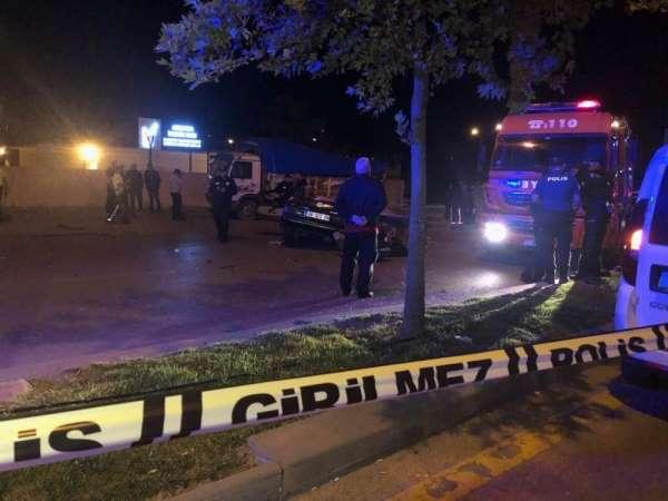 Polisin 'dur' ihtarına uymayan driftçiler kaza yaptı: 2 ölü 1 yaralı