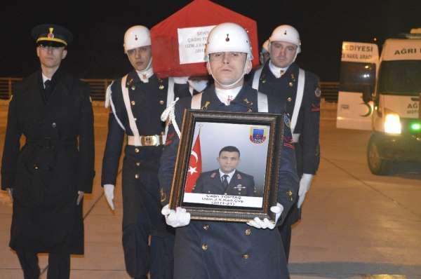Ağrı'da şehit olan askerin cenazesi baba ocağına uğurlandı