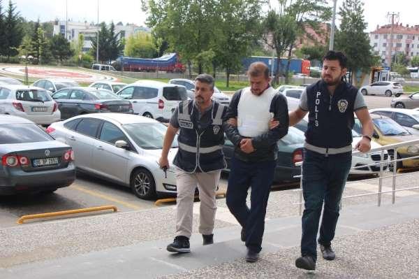 Bolu'da, alkollüyken oğlunu bıçaklayan tutuklu baba tahliye edildi