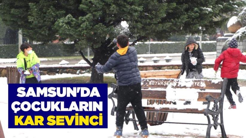 Samsun'da çocukların kar sevinci