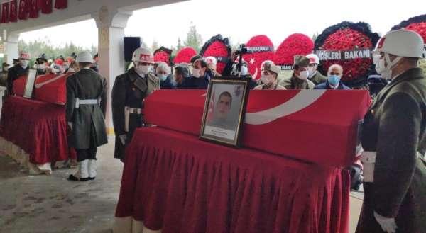 Gara şehitleri Gaziantep'te son yolcuğuna uğurlanıyor