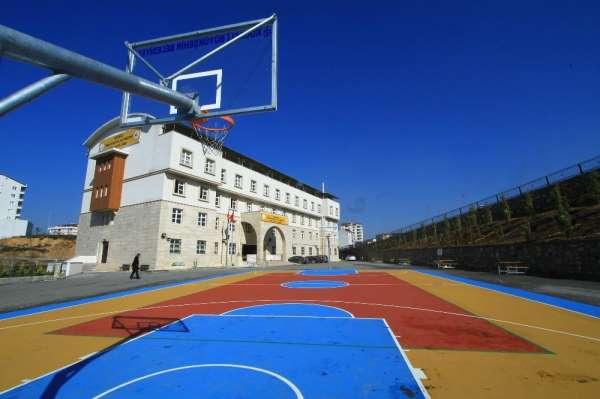 75 okula yapılacak basketbol ve voleybol sahası kazandırılacak