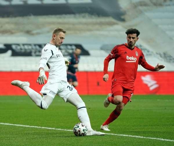 Başakşehirde Mert Günok 4 maç sonra sahada