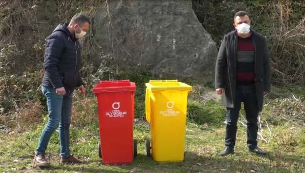 Çöp konteynerinin denize atılmasına tepki