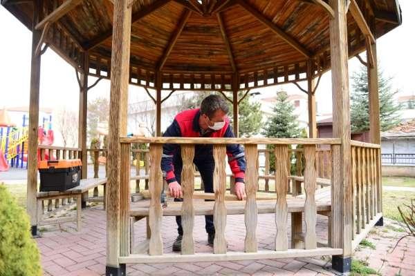 Kahramankazan Belediyesinden parklara bahar dokunuşu