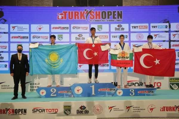 Mamak Belediyesi Tekvando Takımı şampiyon oldu