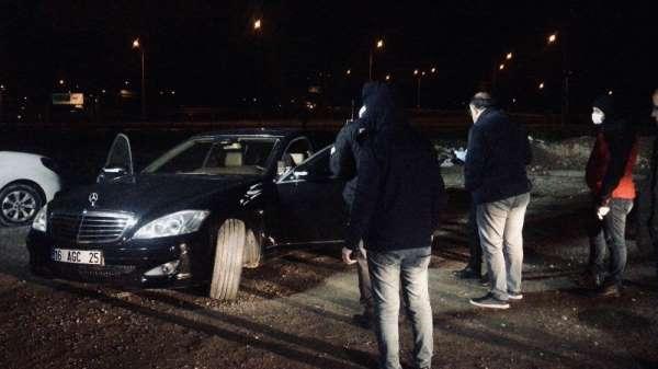 Bursa'da arabasının içinde kafasına ateş ederek intihar etti