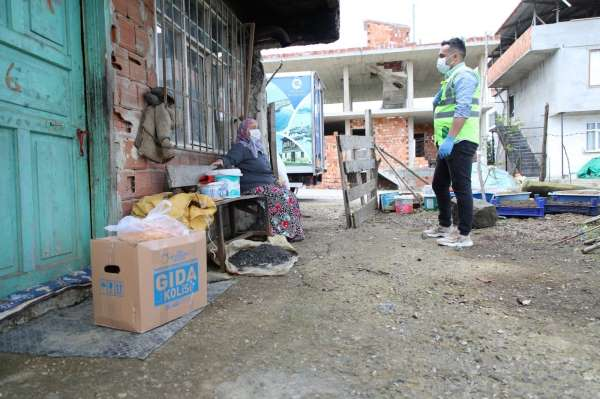 Fatsada karantinadaki 400 haneye gıda paketi