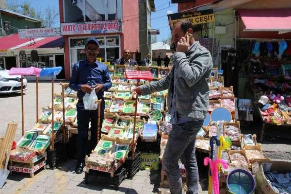 Varto'da bahar mevsimi ile birlikte tohum satışları da başladı